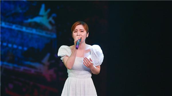 5歌曲《幸福是你》演唱:胡蕊蓝(湖北省第四届最美文艺志愿者、青年歌手)